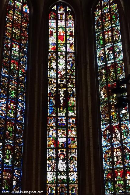 St Nikolaus Glasmalerei Passion