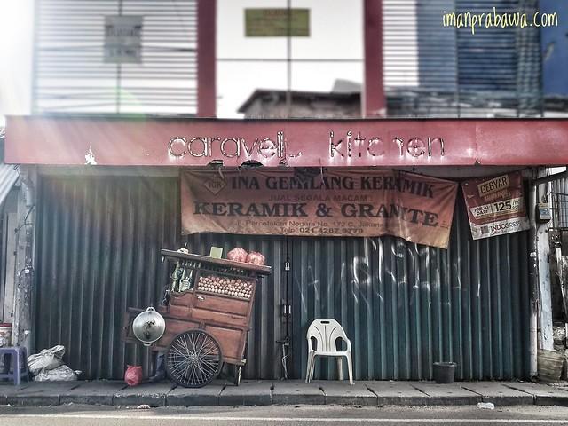 Nasi Goreng Gerobak Dorong Percetakan Negara, Foto Edit
