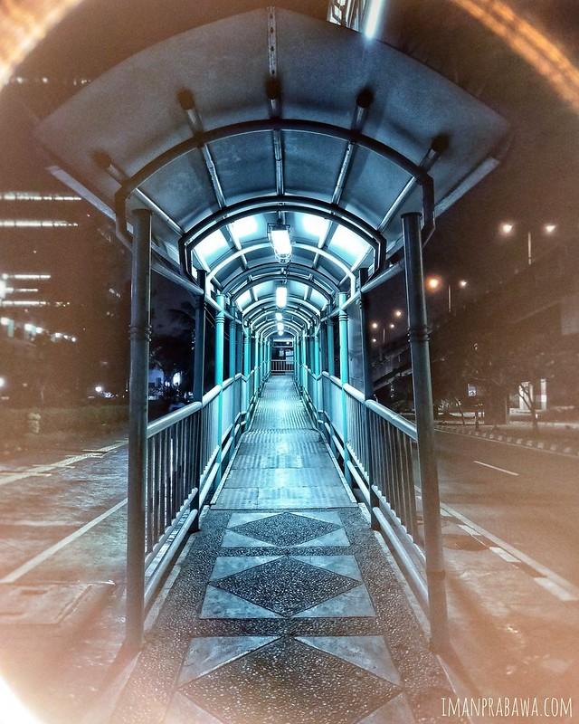 Jembatan Penyeberangan, Foto Edit