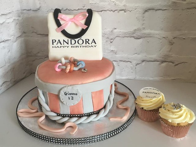 Cake by Tinkers Cakes