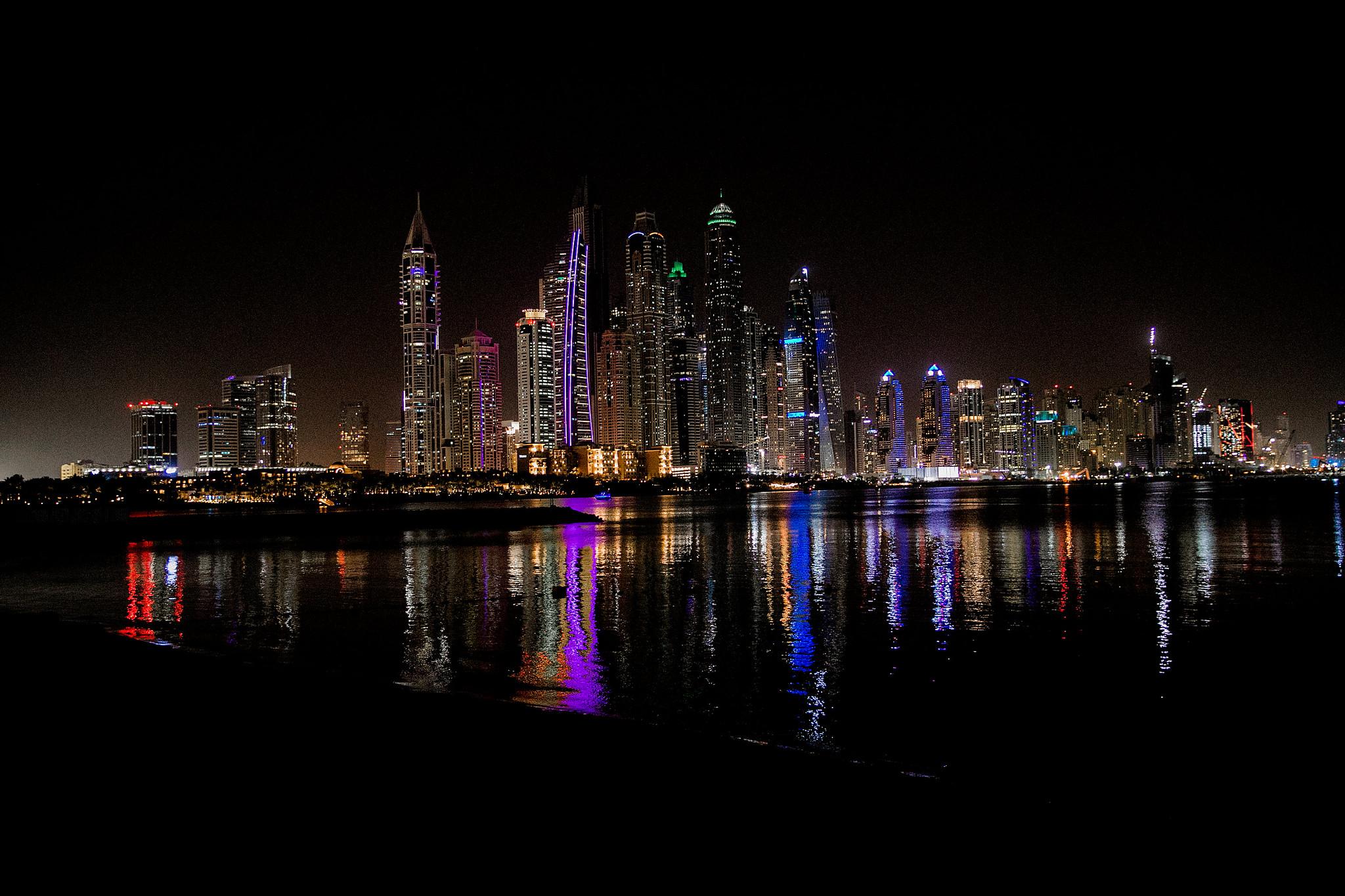 Dubai_by_HanaLeVan26