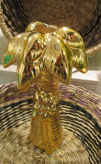 The golden palm tree vase