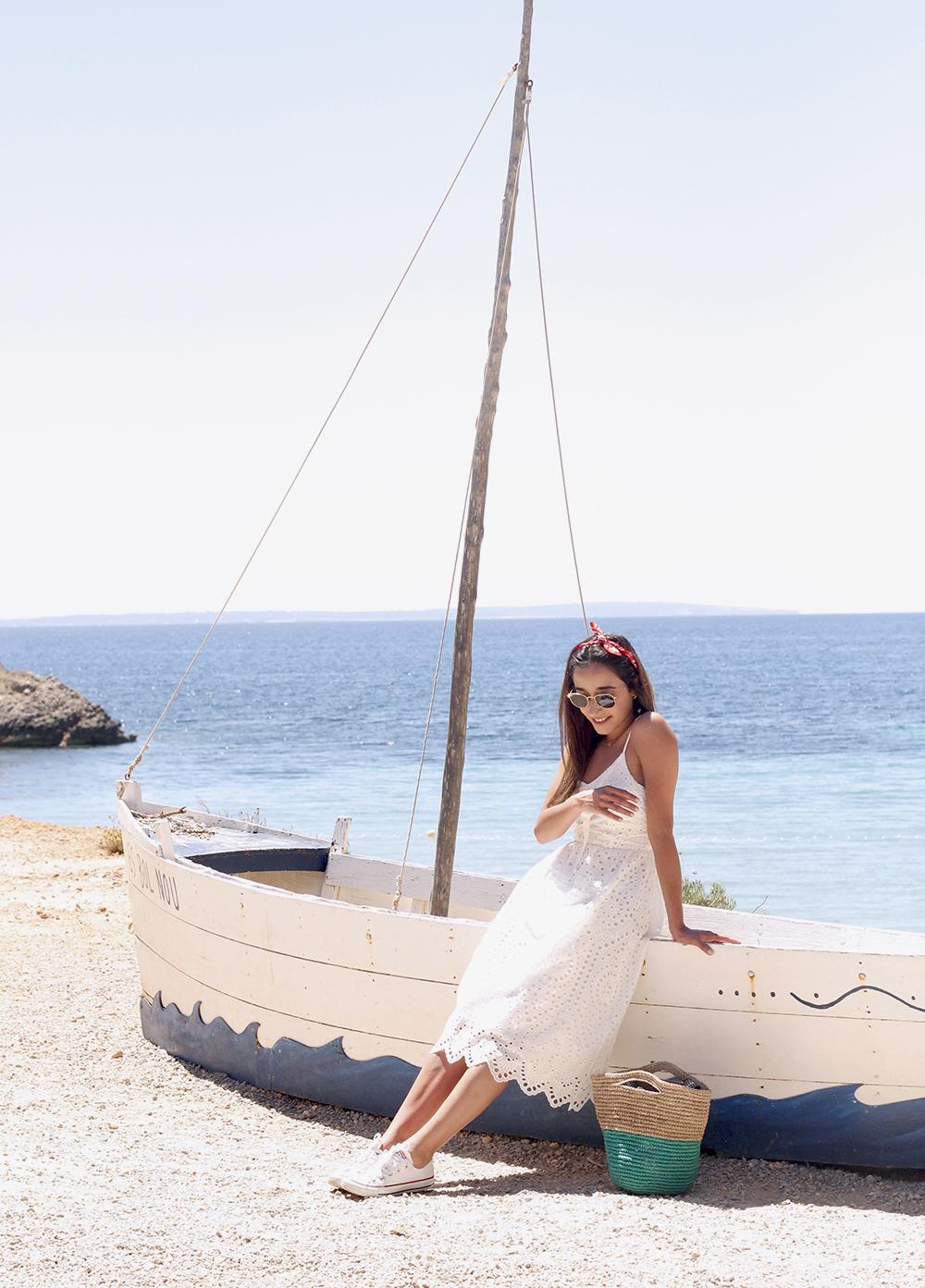 white summer dress white converse rayban sunglasses 2019 street style outfit vacation ibiza9