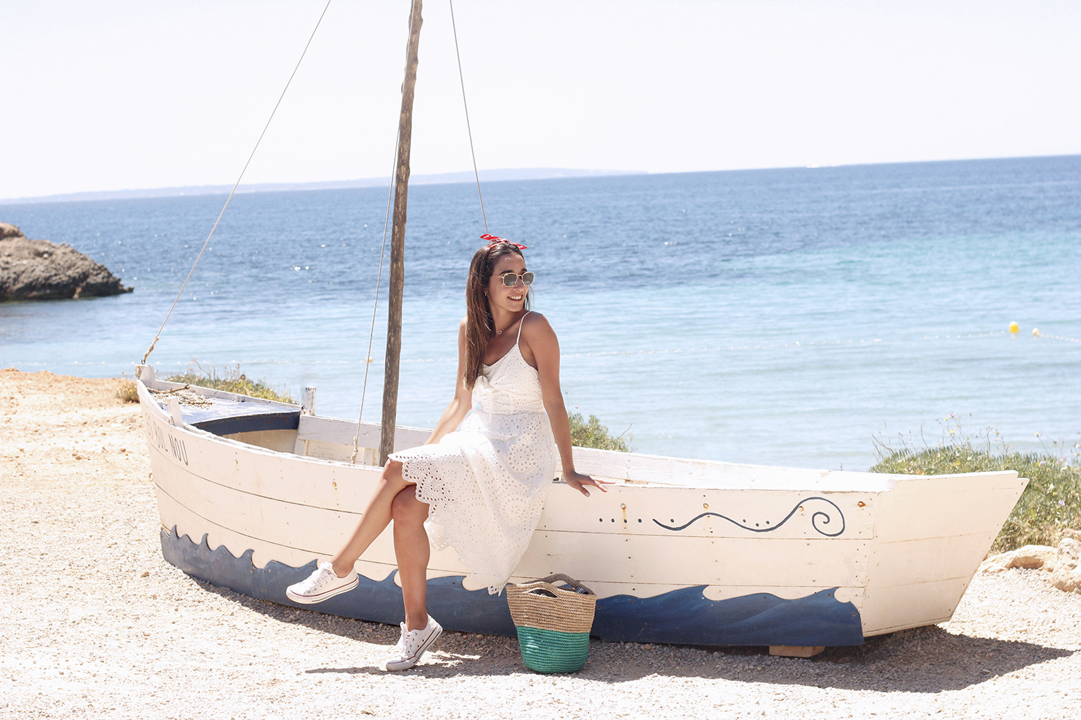 white summer dress white converse rayban sunglasses 2019 street style outfit vacation ibiza7