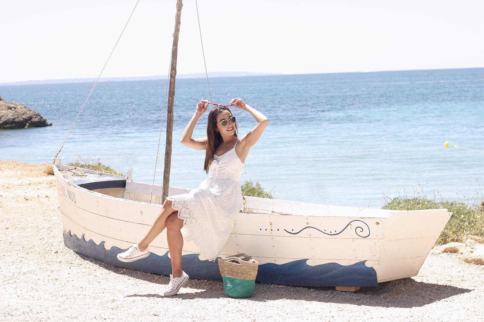 white summer dress white converse rayban sunglasses 2019 street style outfit vacation ibiza5