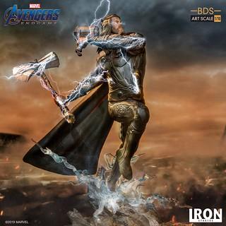 手握雙槌,胖雷神戰場突入!! Iron Studios Battle Diorama 系列《復仇者聯盟:終局之戰》索爾 Thor 1/10 比例決鬥場景雕像作品