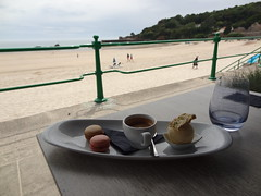 Lunch at the Oyster Box in St Brelade's Bay (12)