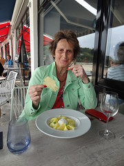 Lunch at the Oyster Box in St Brelade's Bay (11)