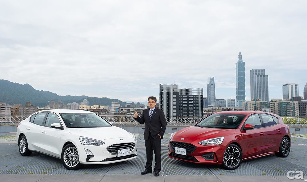 〈圖一〉福特六和市場營銷暨顧客服務處副總經理蘇嘉明宣布The All-New Ford Focus 上市首月即創下超過2,000張訂單佳績,至5月底累計突破5,000張訂單,銷售量較去年同期成長2倍以上。