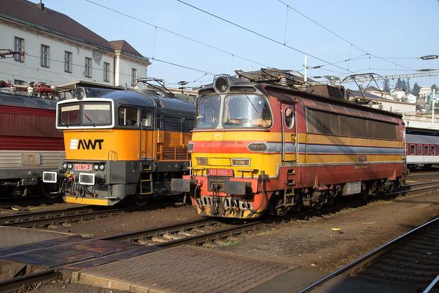 AWT 753 729 + ŽSSK 240 068 Bratislava hlavná stanica