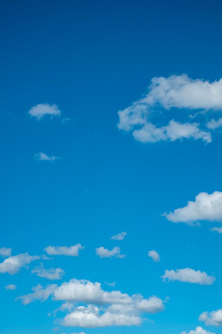 ภาพถ่ายโทนท้องฟ้าแจ่มใส แต่งด้วยแอพ Lightroom