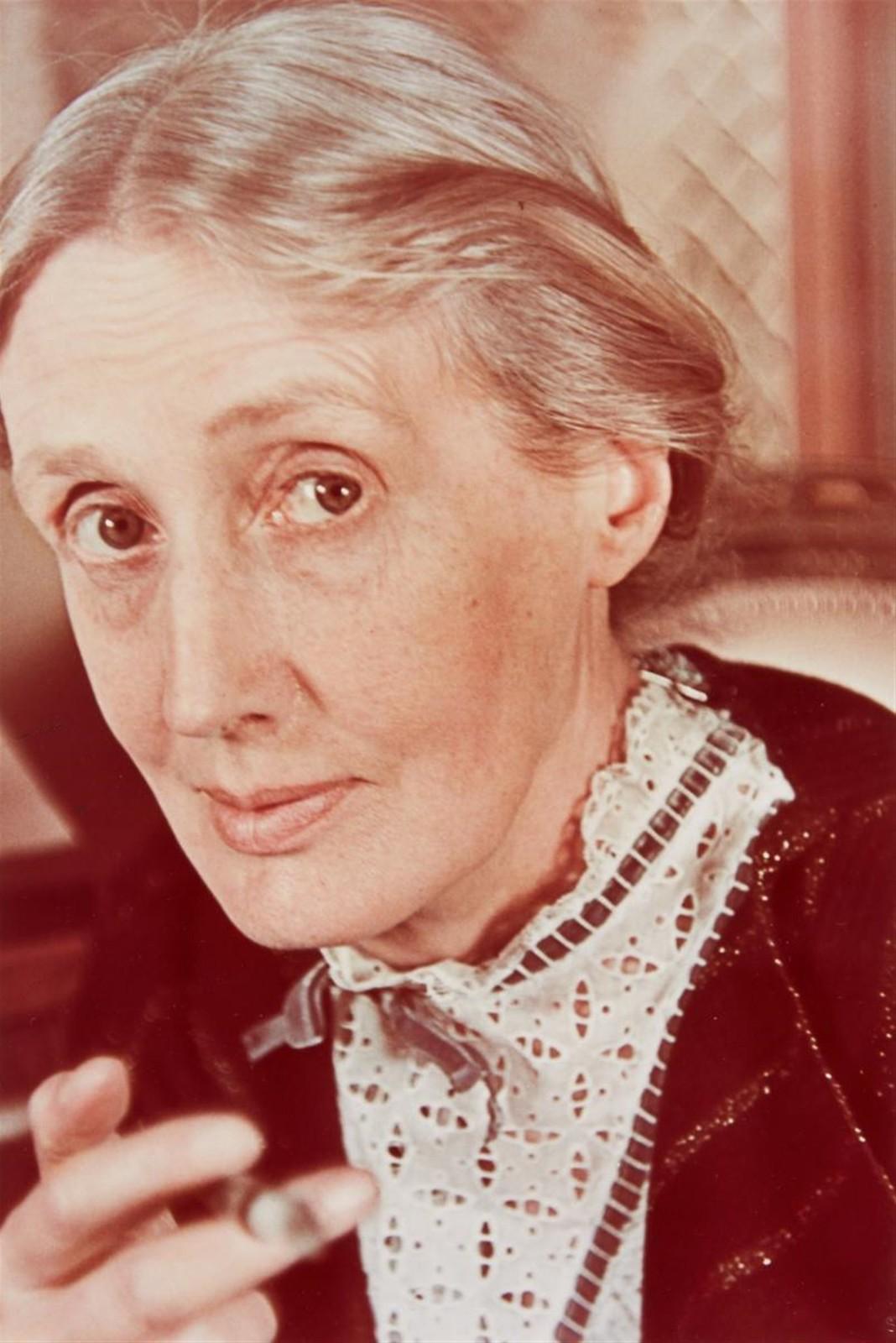 1939. Вирджиния Вулф (британская писательница и литературный критик. Ведущая фигура модернистской литературы первой половины XX века)