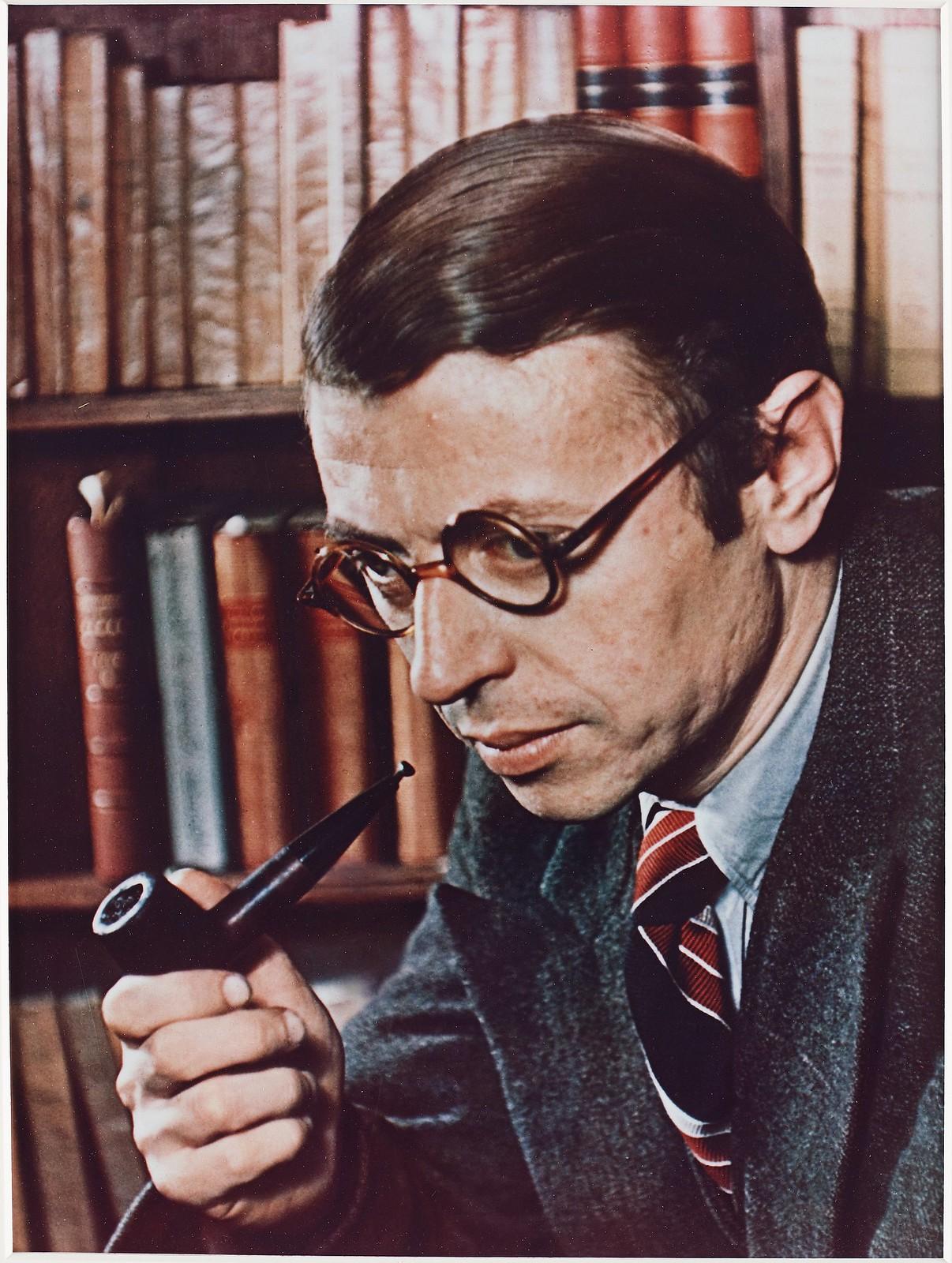 1939. Жан-Поль Сартр (французский философ, представитель атеистического экзистенциализма, писатель, драматург и эссеист, лауреат Нобелевской премии по литературе)