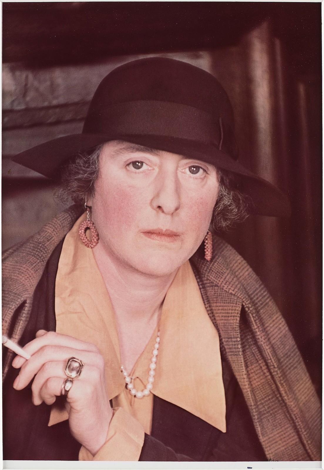 1939. Вита Сэквилл-Уэст (английская писательница, аристократка, садовод, журналистка. Обладательница почётной степени доктора словесности, мировой судья)