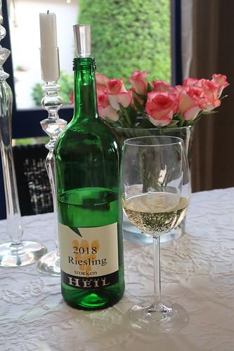 Riesling (2018, trockener Weißwein vom Weingut der Familie Heil in Kirchheim)
