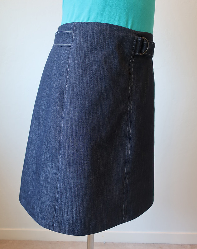Denim skirt side view pocket