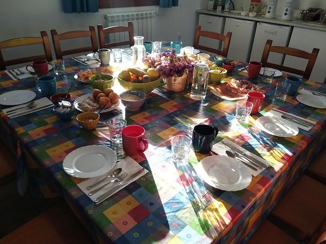 2019-06-02_08-06-19 Nutritivo desayuno en el albergue Tierras Altas