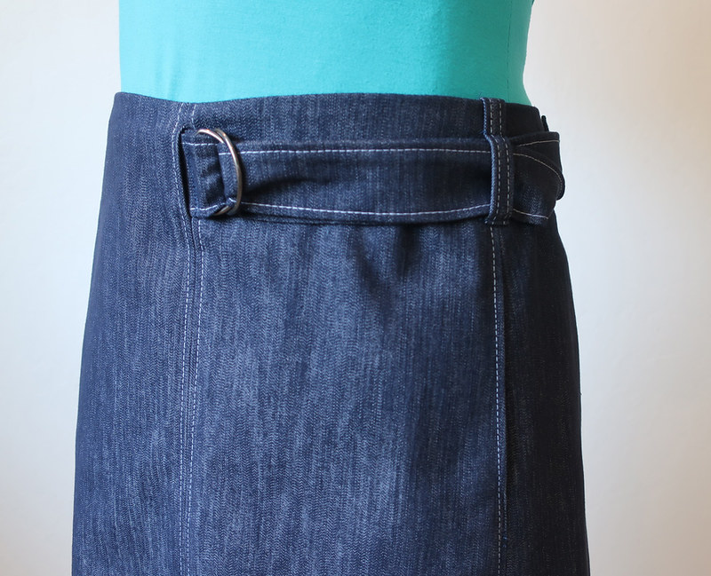 Denim skirt close up belt view