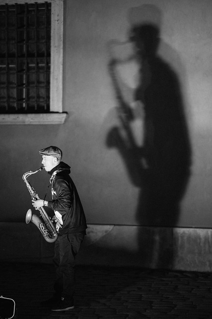 Shadow-Saxing