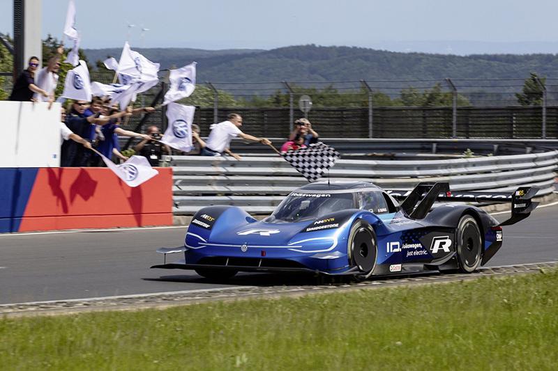 23dc699e-vw-id.r-nürburgring-lap-record-1