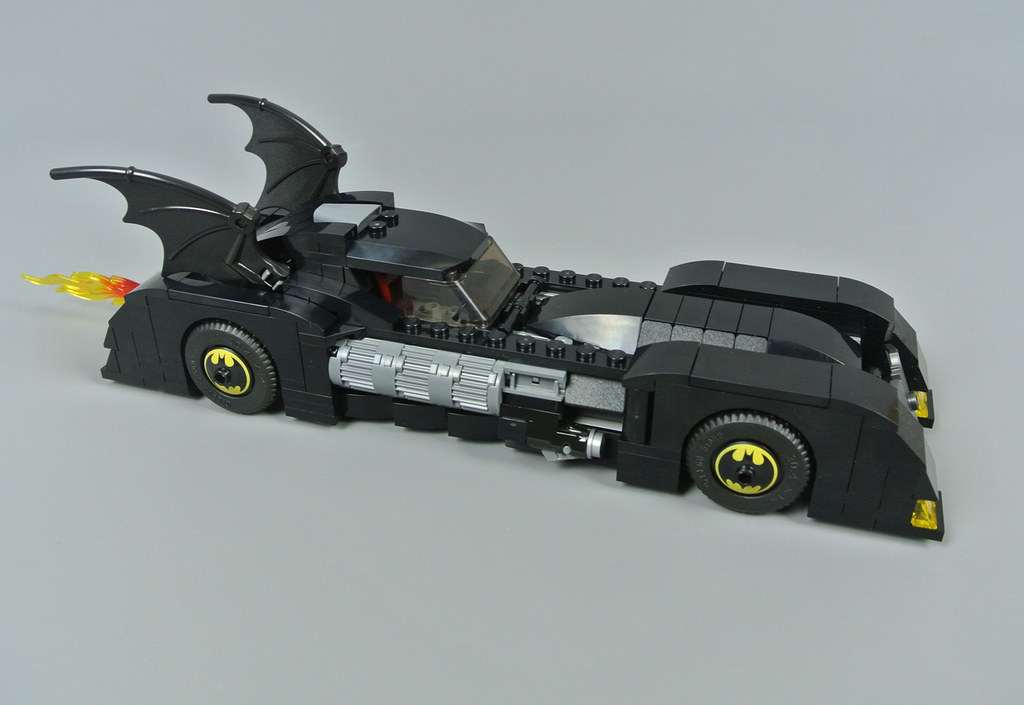 LEGO DC Comics Super Heroes 76119 Batmobile: Pursuit of The