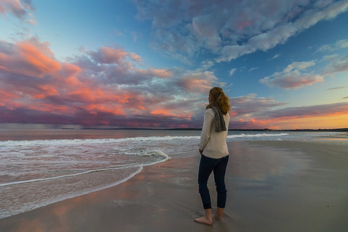 sunset clouds skyscape sky beach newsouthwales jervisbay callalabeach holiday canoneos80d efs1018mmf4556isstm water ocean sand evening girl woman lookingout