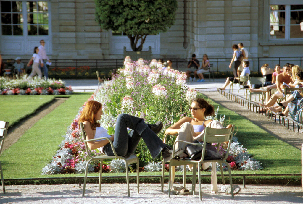 paris_luxumberg_gardens_seating_planting_2001_ek