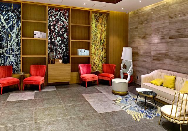 China 2019. Nanchang (Jiangxi). Orange Hotel's lobby.