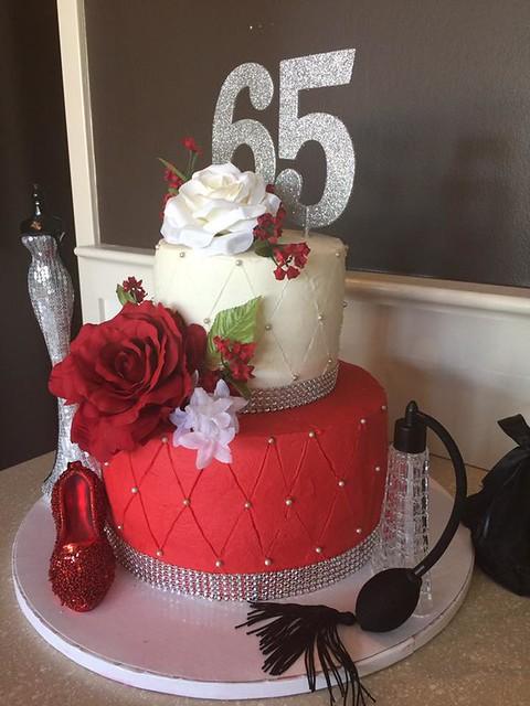 Cake by Gigi's Cupcakes Jackson, Tennessee