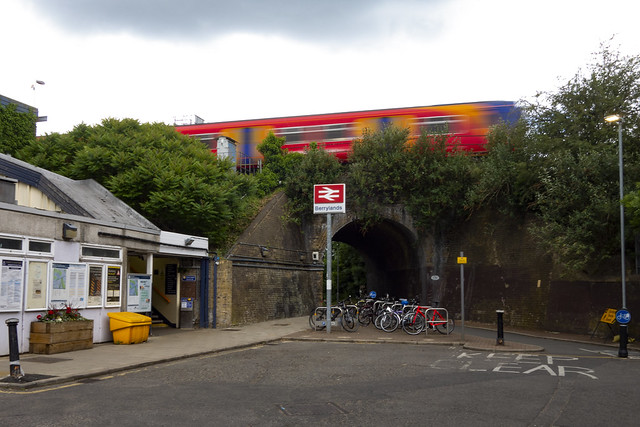 Berrylands Station
