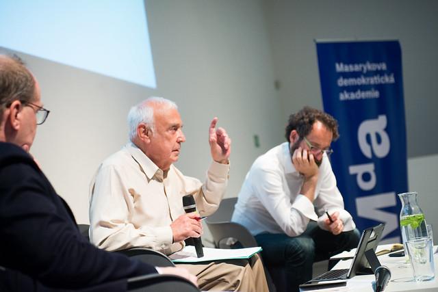 Robert Skidelsky: Umělá inteligence jako nová cesta do nevolnictví?