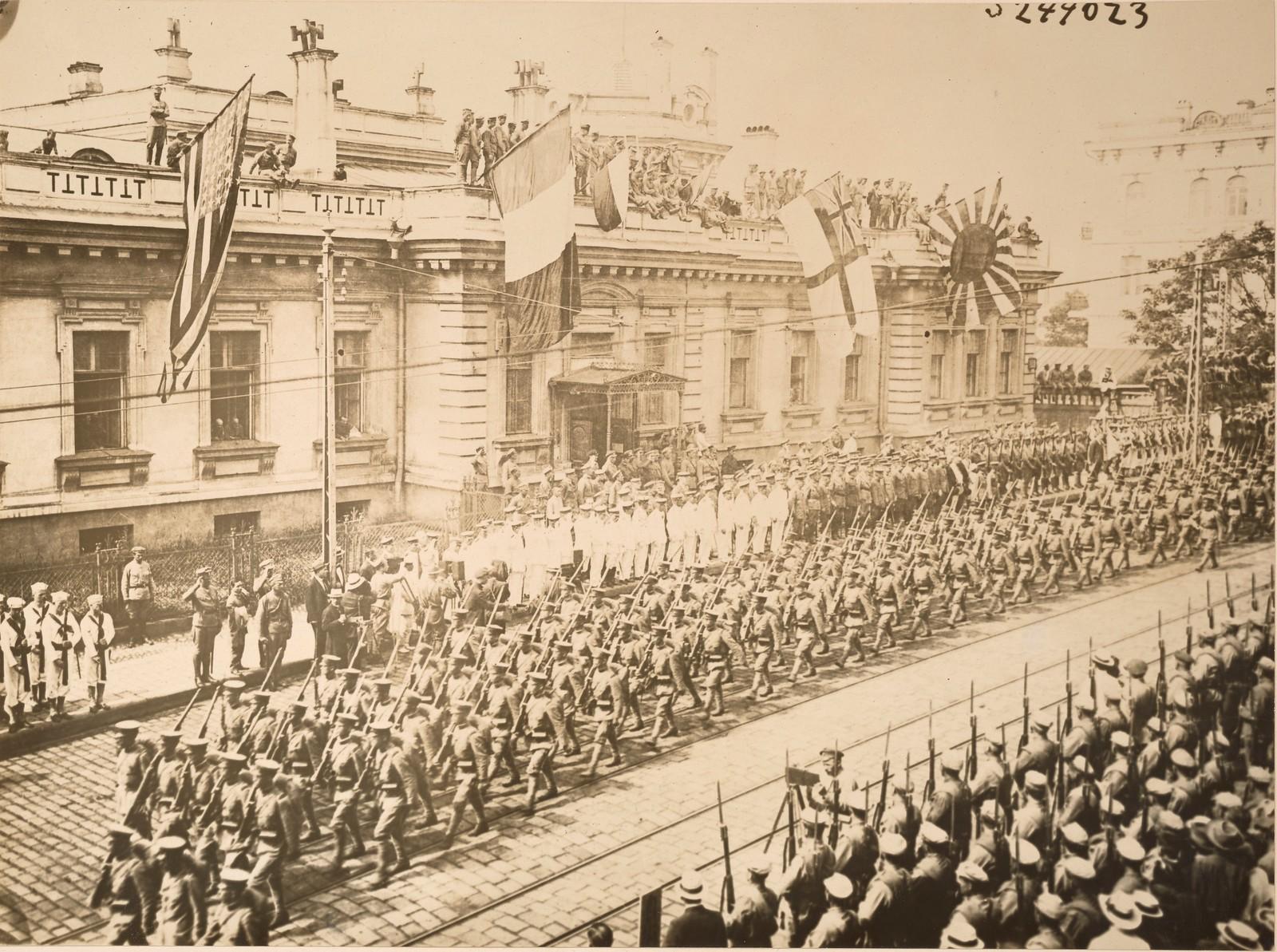 1918. Прибытие японских войск во Владивосток 12.08