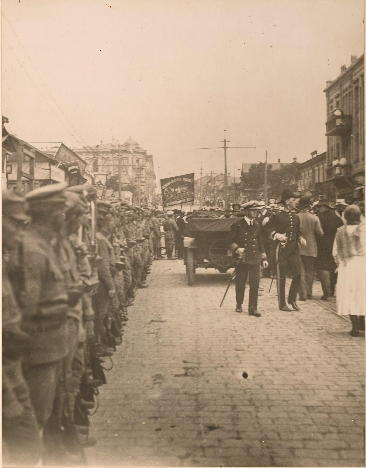 1918. Британские солдаты и матросы прибыли во Владивосток. 03.08