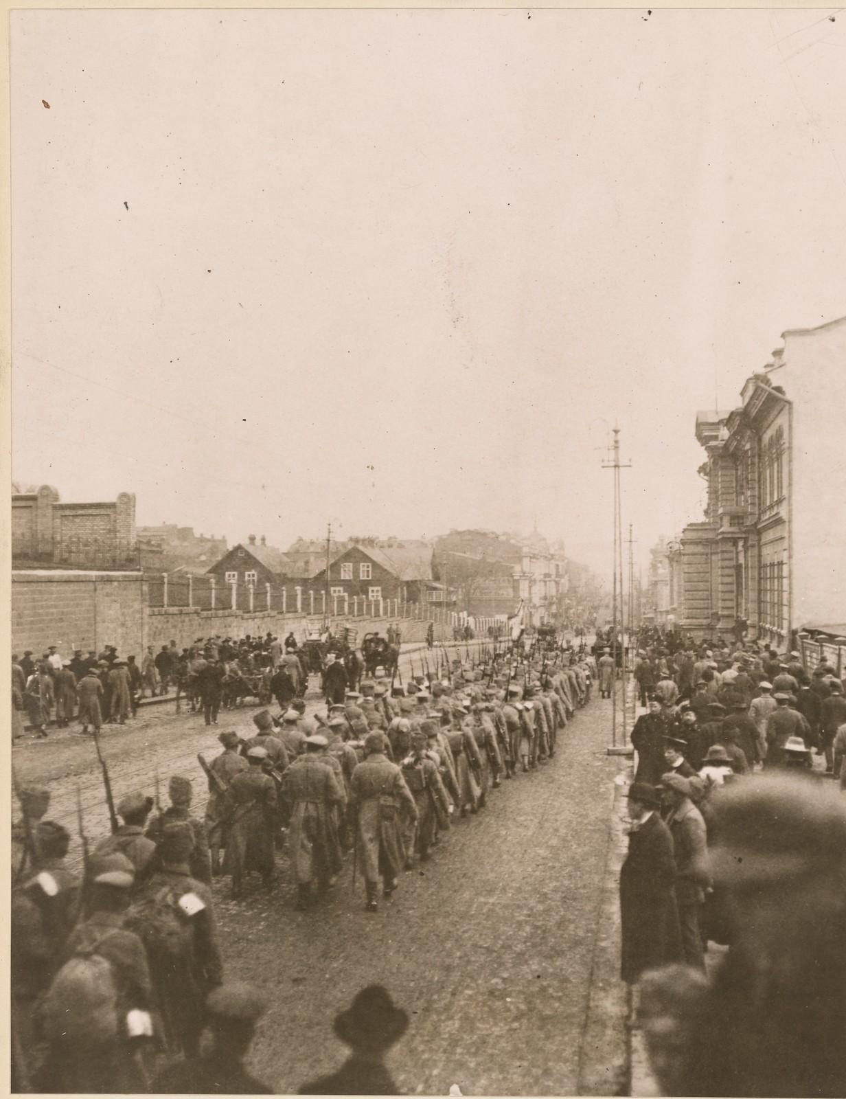 Прибытие чехословацких войск. 21 апреля