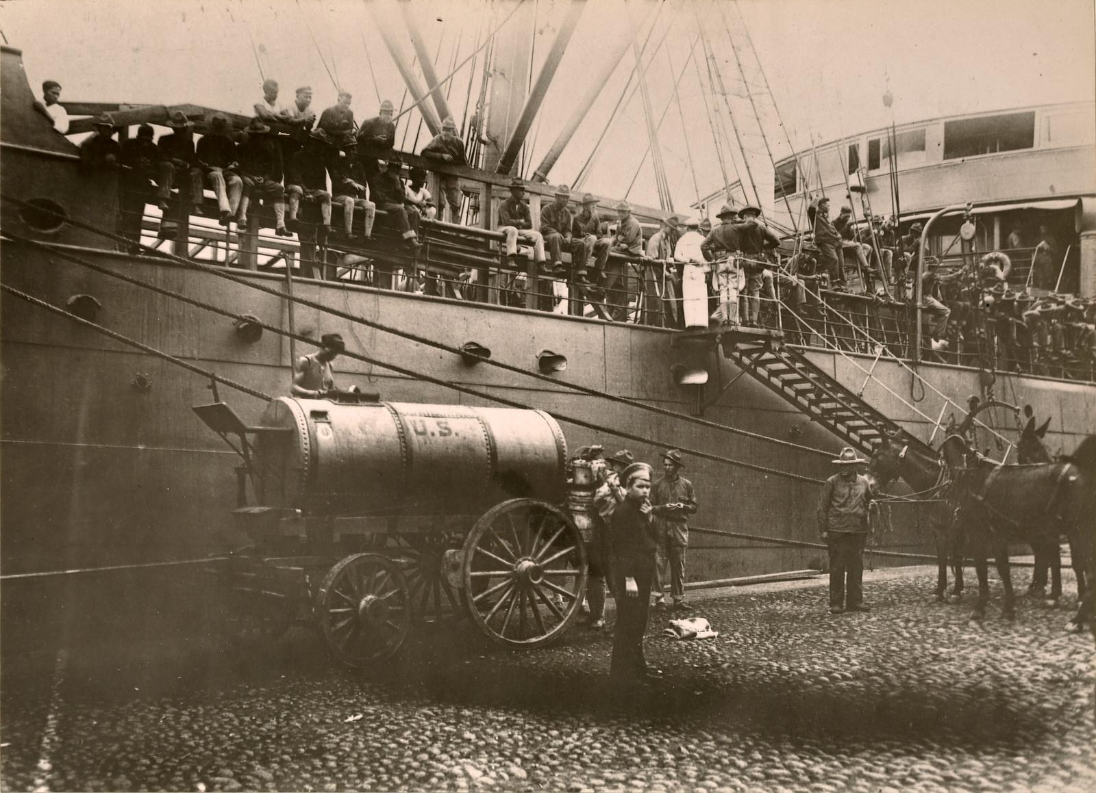 1918. Разгрузка транспортного корабля U.S.A.T. «Crook»