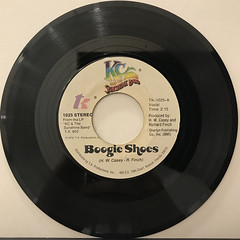 K.C. AND THE SUNSHINE BAND:BOOGIE SHOES(RECORD SIDE-A)
