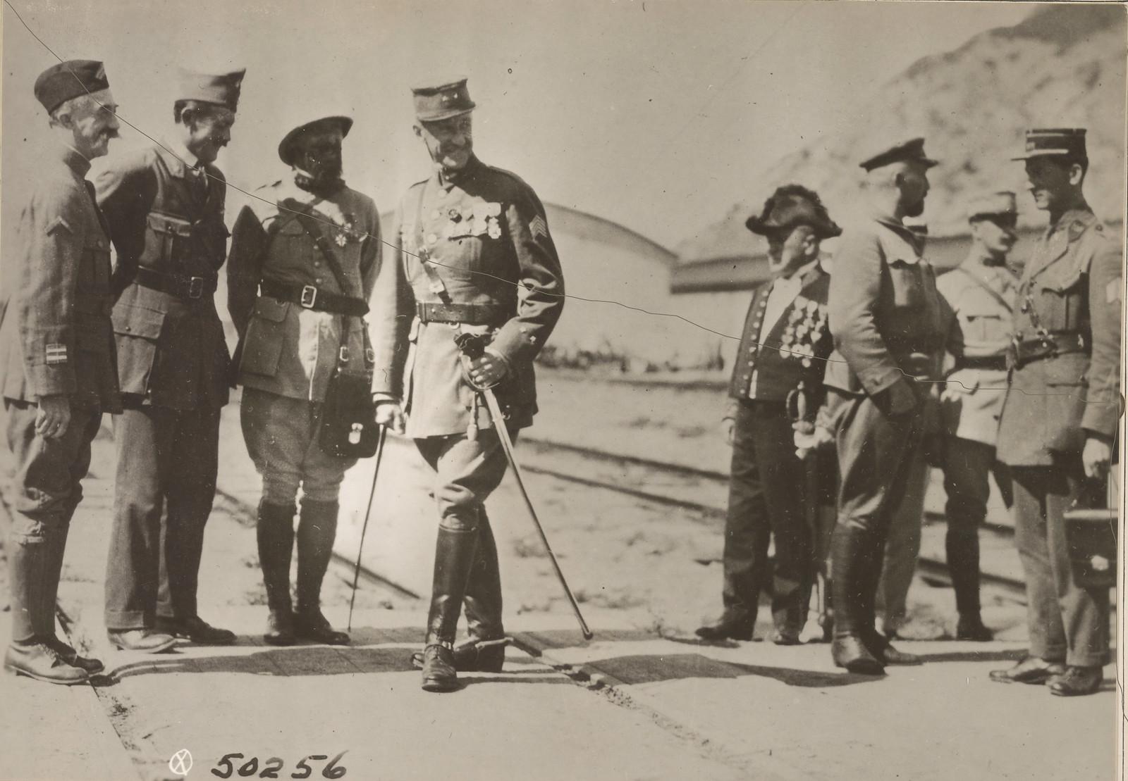 1918. Высадка французских войск. Офицеры союзников