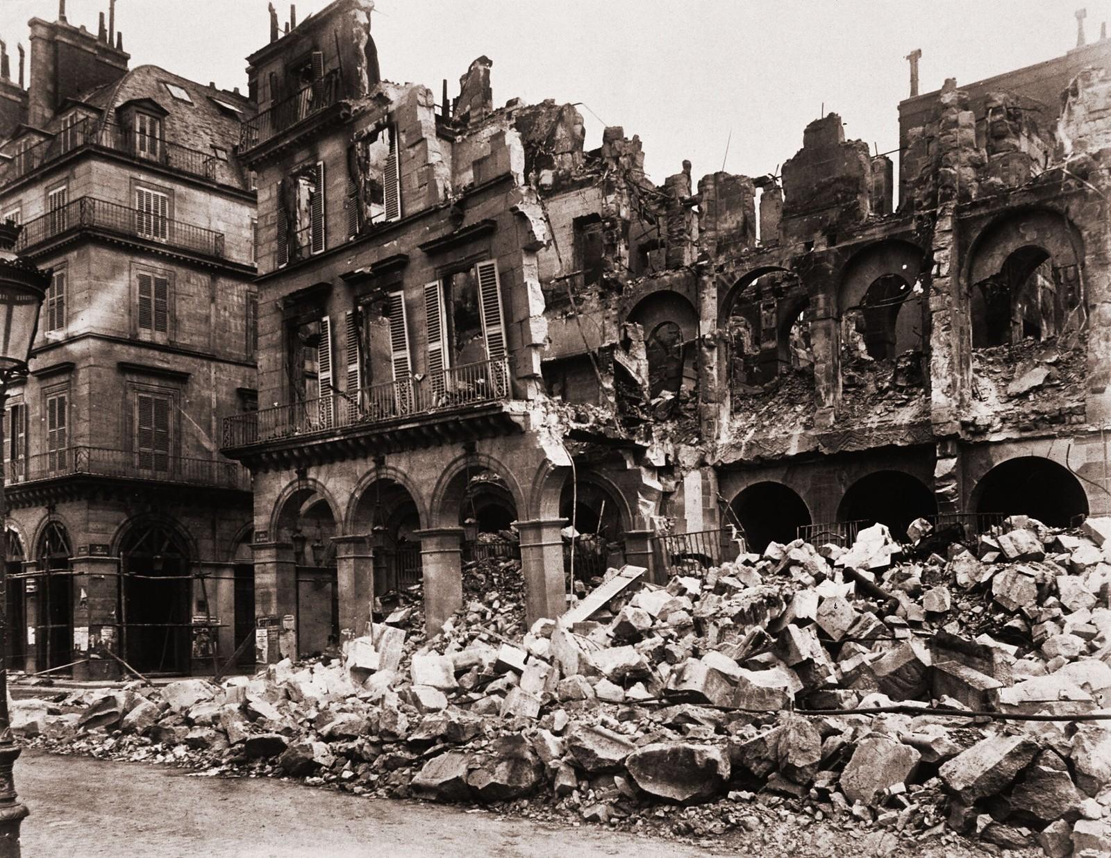 Руины Министерства финансов на улице Риволи
