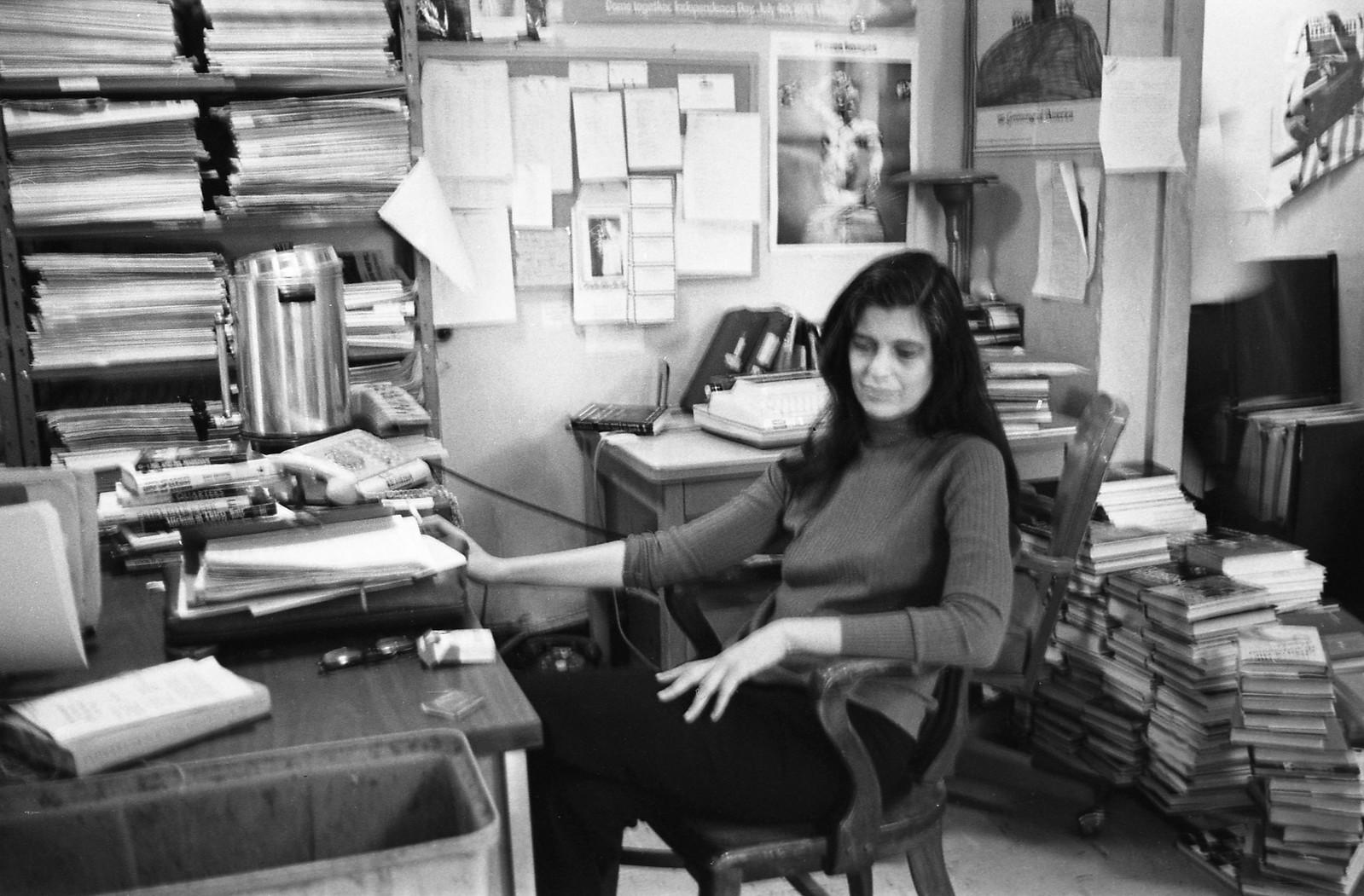 1975. Сьюзен Зонтаг (американская писательница, литературный, художественный, театральный и кинокритик, режиссёр театра и кино), Нью-Йорк