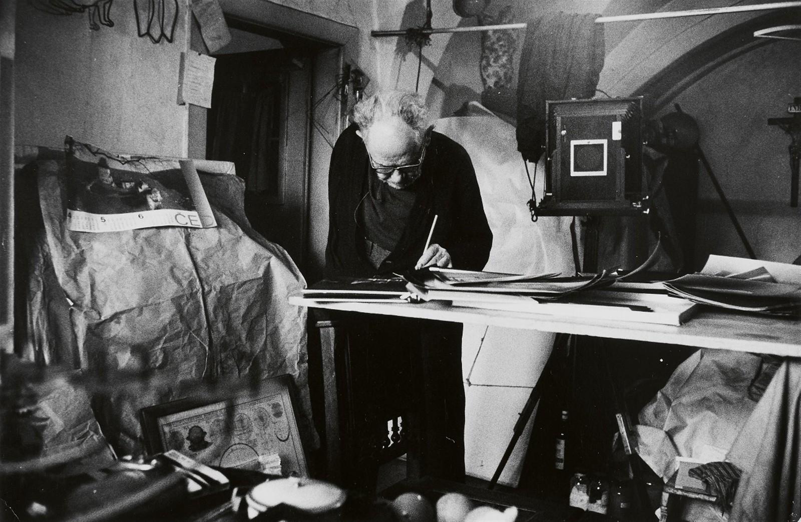 1960-е. Йозеф Судек (чешский фотограф) в мастерской