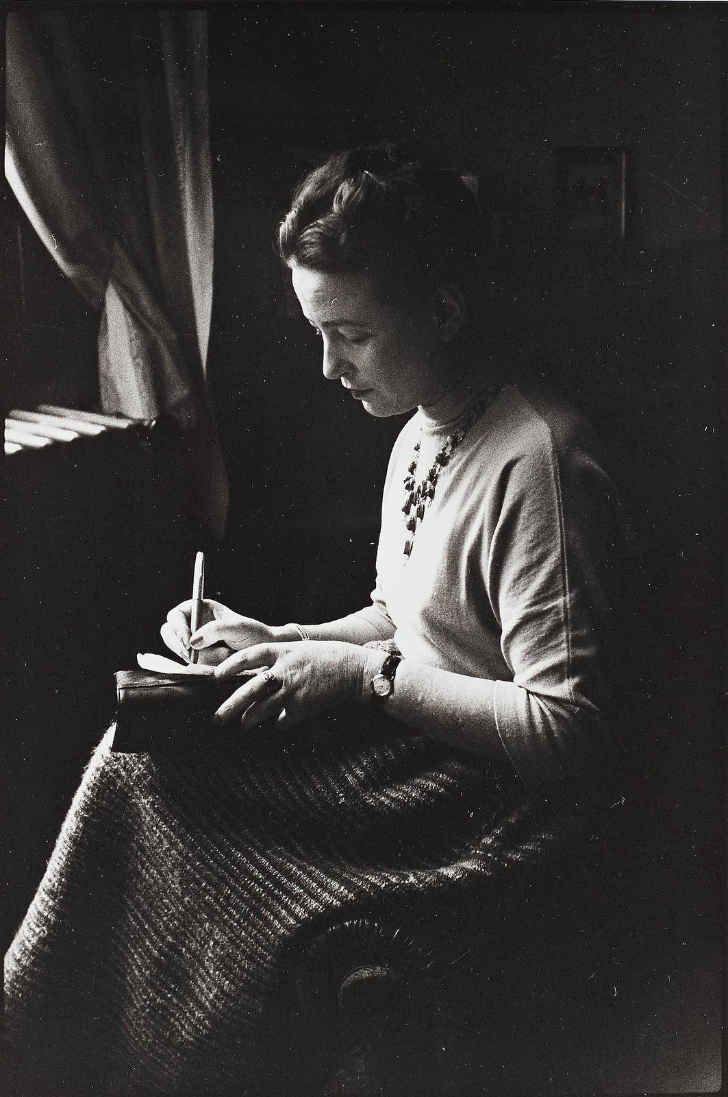 1954. Симона де Бовуар, Приз-де-Гонкур, Париж