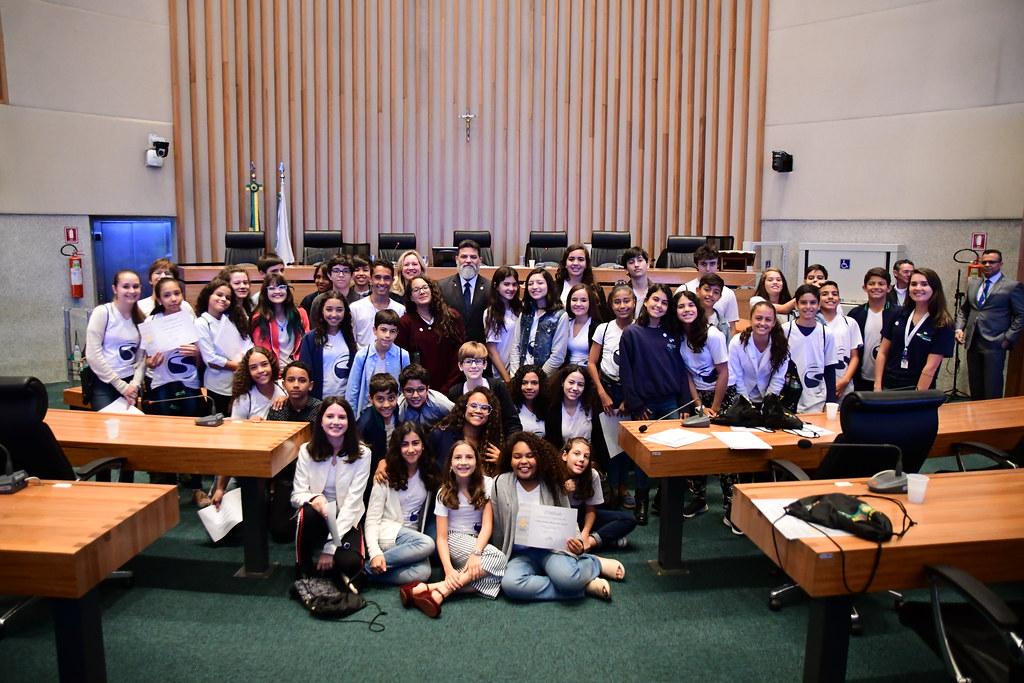 Programa Conhecendo o Parlamento