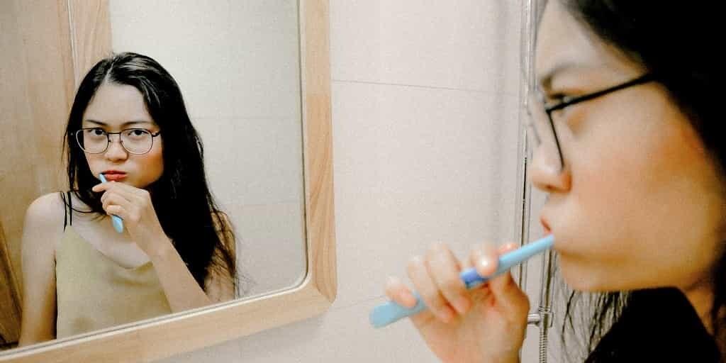se-brosser-les-dents-contre-Alzheimer
