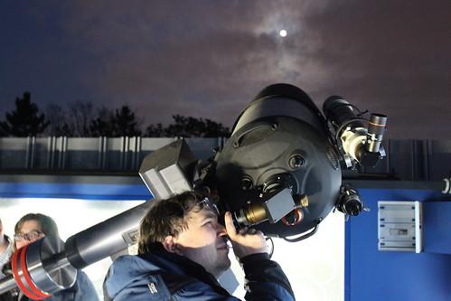 Pozorování večerní oblohy pro zrakově postižené, Hvězdárna a planetárium Brno, 17. 5. 2019