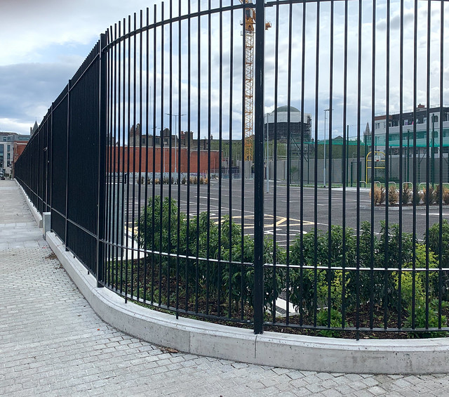 RANDOM IMAGES OF THE MARKETS AREA OF DUBLIN [MY FIRST DAY USING AN IPHONE XR]-152879
