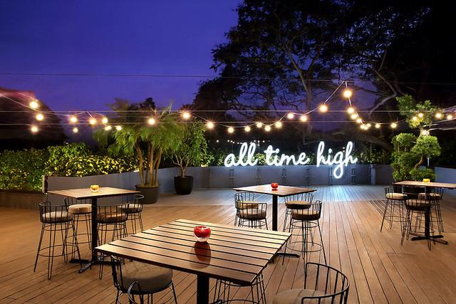 dusk restaurant