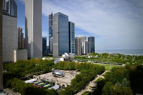 michiganavenue millenniumpark park chicago il illinois midwest cookcounty skyscrapper skyline spring 2019 may nikon nikon2485 nikond610 bean cloudgate view cindys rooftop cindysrooftop cindysrooftopbar