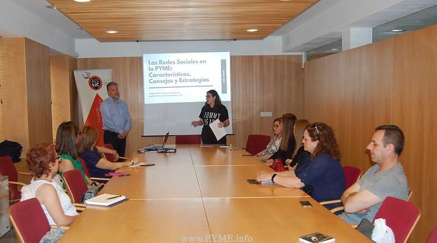 Empresarios salmantinos asistentes a la primera jornada de AESTIC para la digitalización de las pymes de Salamanca.