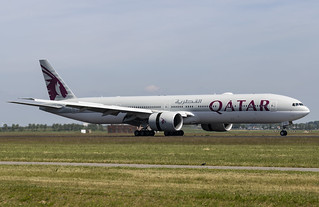 A7-BEG Boeing 777-300(ER) Qatar Airways AMS 2019-06-01 (19a)