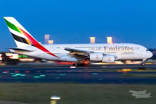 sydney newsouthwales australia emirates ek airbus a380 syd yssy sydneyairport